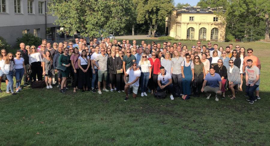 Das EMG-Team beim jährlichen Kickoff im Stockholmer Schärengarten