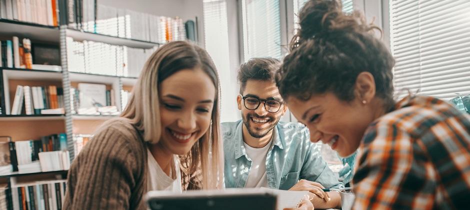 Opintovapaa ja vuorotteluvapaa – mitä ne ovat ja kumpi sopii sinulle?
