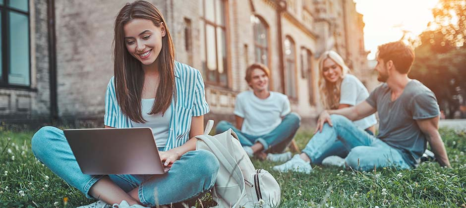 Collegestudenter utomhus