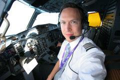 lentäjä koulutus