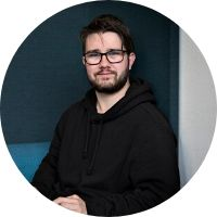 Nichlas Sørensen, Studerer på HF...