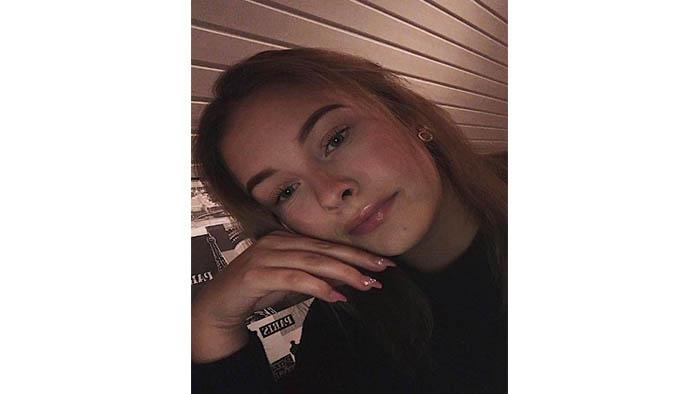 Jenny om Hår- och makeupstylist