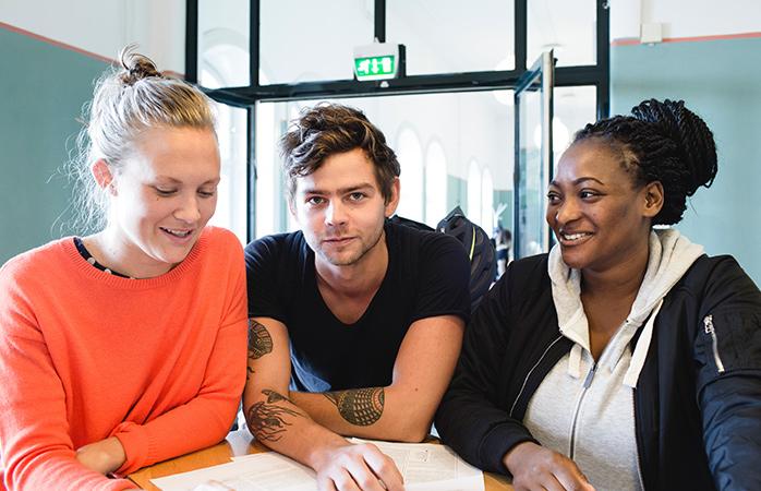 Undervisningen och studentkårer hos ESH