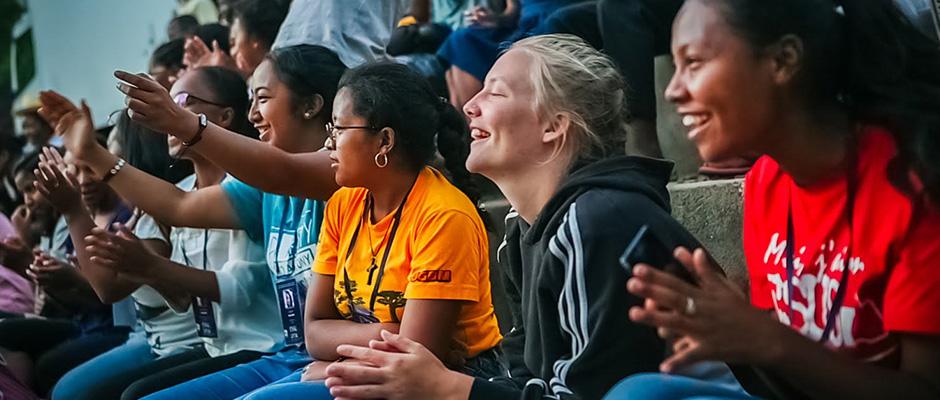 studenter på tribune