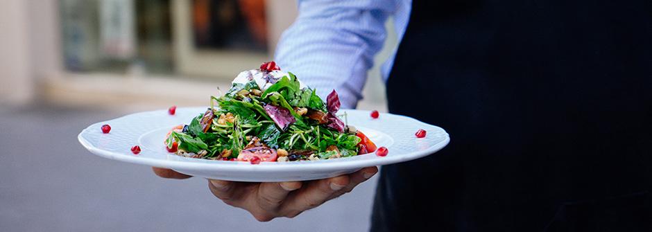 Tarjoilija (AT), ravintolan asiakaspalvelun ammattitutkinto