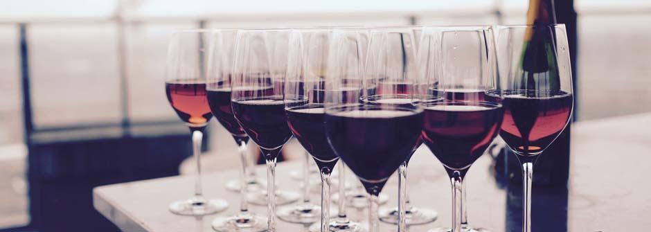 Matkalle: Viini näyttää tien ja maut suunnan -maisteluilta / Vanaja Koulutus Oy