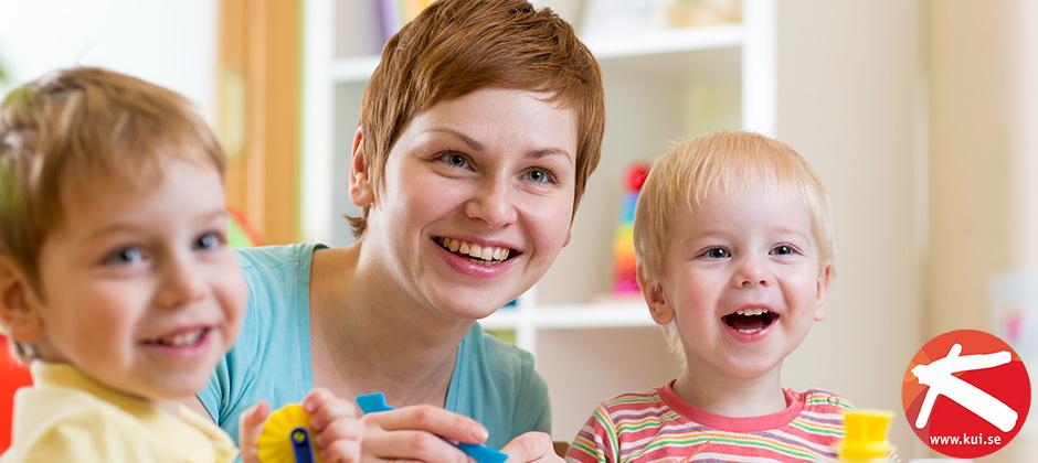 Efter avslutad utbildning kan du arbeta som barnskötare eller elevassistent
