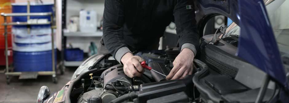 Ajoneuvoalan erikoisammattitutkinto | Ajoneuvoalan esimiestyön osaamisala