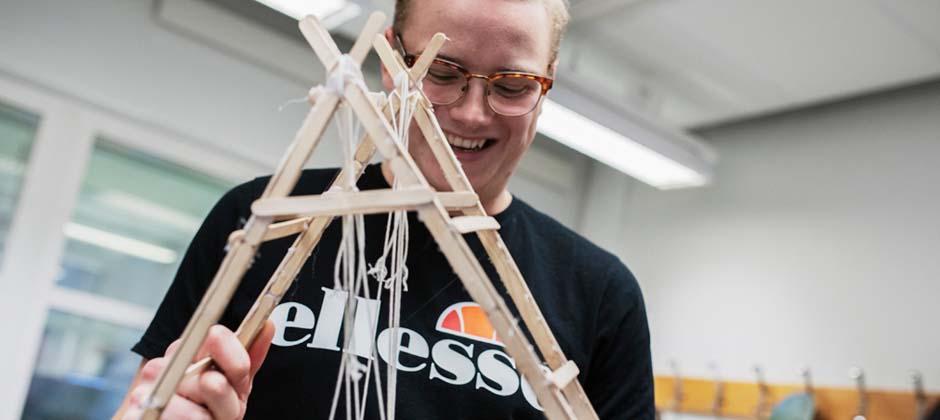 student bygger prototyp