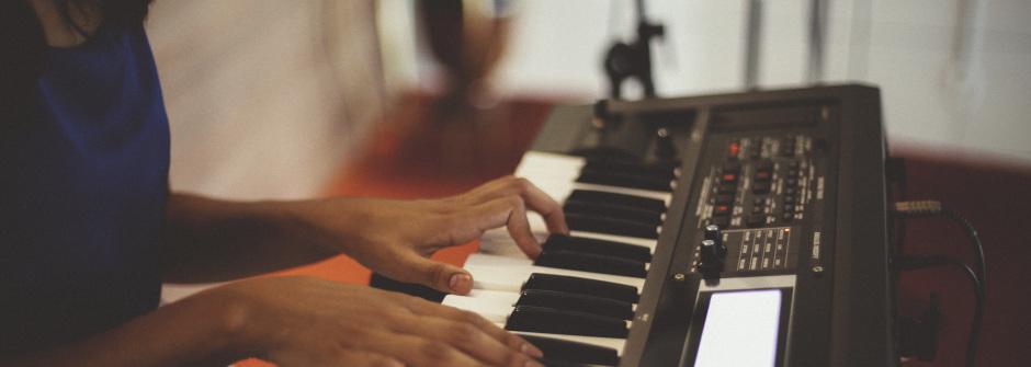 Pianonsoittoa