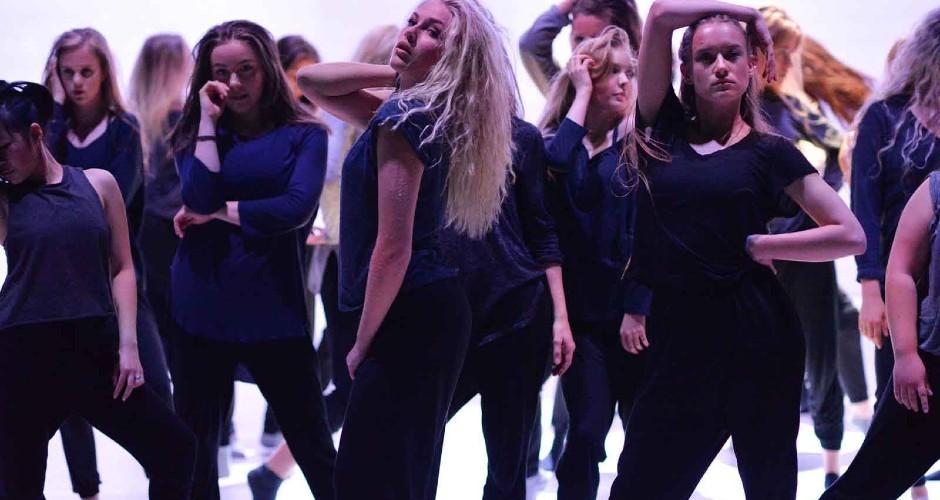 Feminine Vibe N1 - Balettakademien Umeå