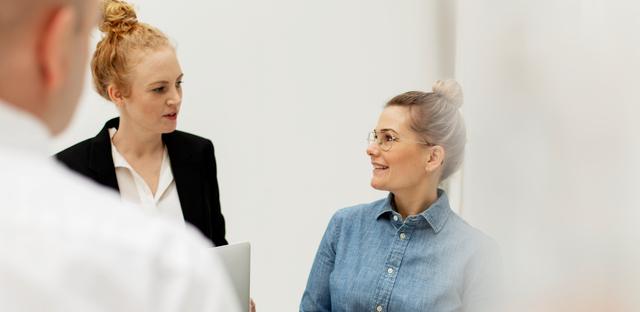 Diplomerad HR-specialist - ger dig kunskaper som gör att du kan arbeta strategiskt med HR-frågor och få ett övergripande ansvar för personalarbetet på din arbetsplats.