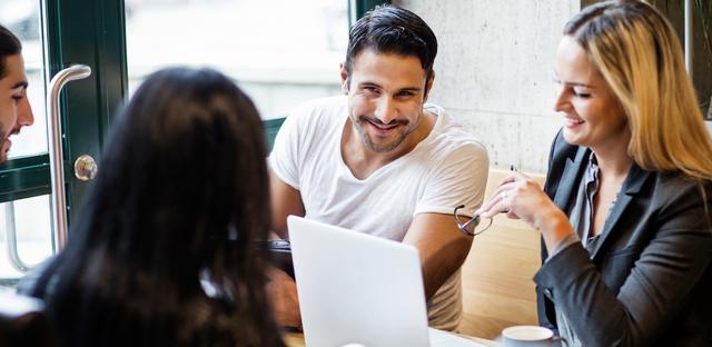 Diplomerad kommuniktör - Utbildningen dig kunksap om kommunikationsprocessens olika delar och din egen roll som informatör samt kunskaper som gör att du kan bedriva ett medvetet och strategiskt kommunikationsarbete.