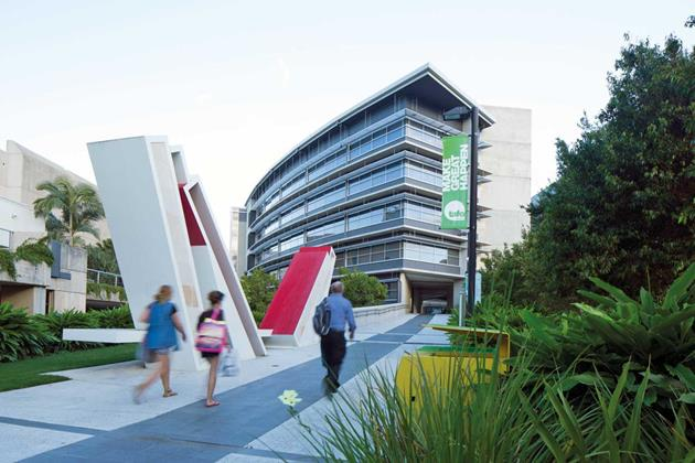 studera leadership management tafe australien