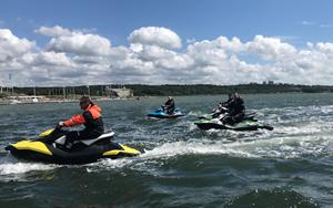 kort ledsagare vattensporter nära malmö