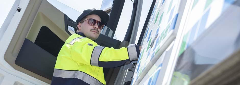 Logistiikan perustutkinto | kuorma-autonkuljettaja | TTS Työtehoseura