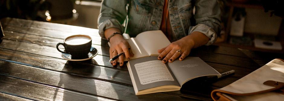 Kirjallisuusterapia henkilökohtaisen ja ammatillisen kasvun menetelmänä