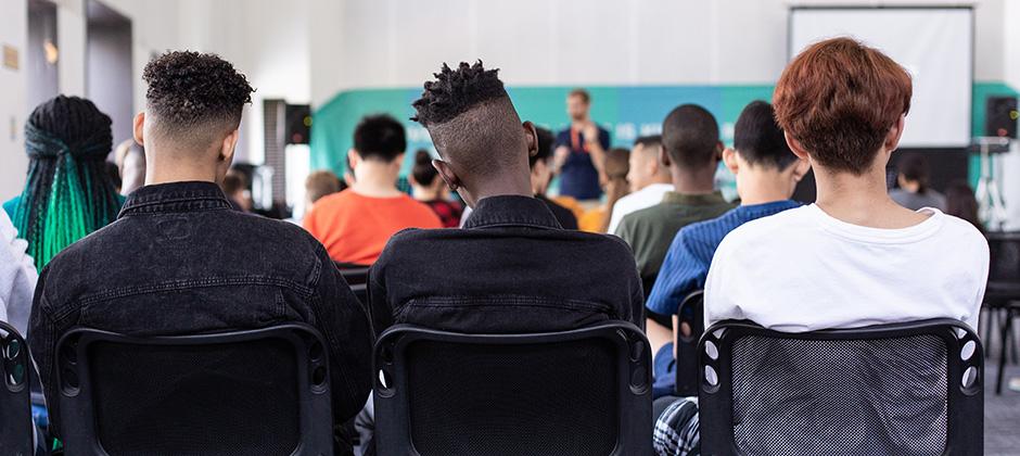 Nyanlända, interkulturalitet och flerspråkighet i klassrummet.