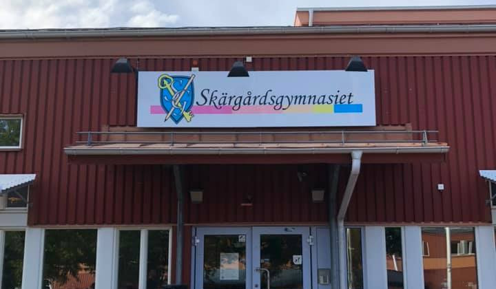 Ingången till Norrtelje Teknik- och Naturbruksgymnasium (NTN)
