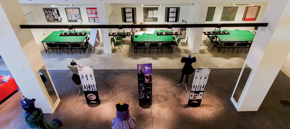 Accademia Del Lusso School Of Fashion Design