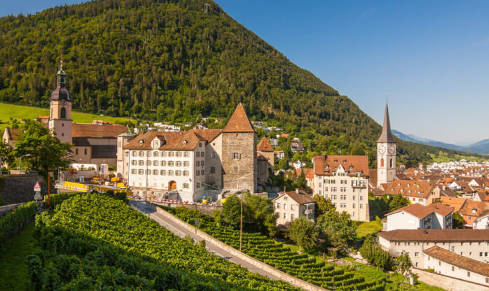 Top-notch tourism degrees in Switzerland!